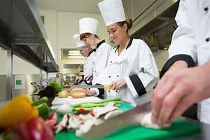 B.C. restaurants scramble to find kitchen workers for job ...