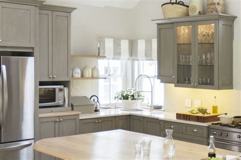 what paint to use on cabinets kitchen what kind of paint to use on kitchen cabinets