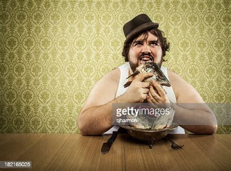 Guy Eating Fingering Pussy