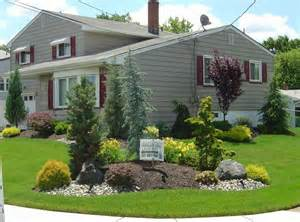 stunning images corner lot houses 1000 ideas about corner landscaping on shade