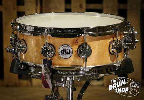 Dw Collector's Snare Drum Clear Lacquer Over Exotic Mapa