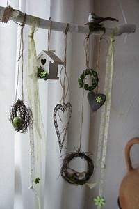 Fensterdeko Hängend Selber Machen : die besten 25 fensterdeko h ngend ideen auf pinterest fensterdeko zum h ngen deko ~ Markanthonyermac.com Haus und Dekorationen