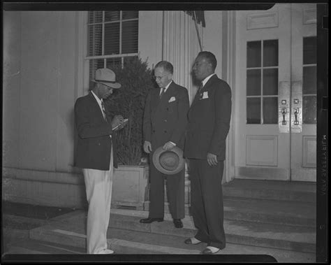 washington dc rare walter armed reporter naacp federal forces leader government talk meet he
