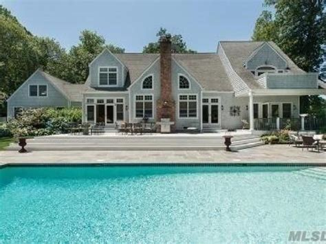 Dock House Sag Harbor by Wow House Sag Harbor Stunner In Gated Community Offers