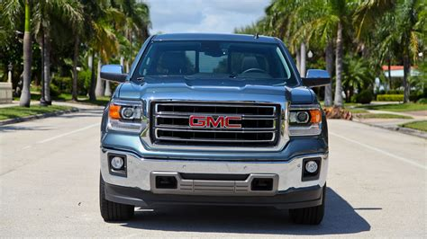 gmc sierra expected  debut march   detroit top