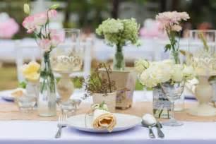 Blumen Hochzeit Dekorationsideenblumen Dekoidee Fuer Hochzeit by Dekoideen F 252 R Eine Hochzeit Im Garten Ideen Top