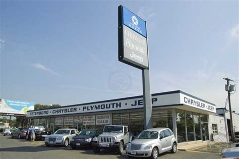 Chrysler Dealership Locations by Chrysler Bringing Them Back From The Crypt 50 Dealers