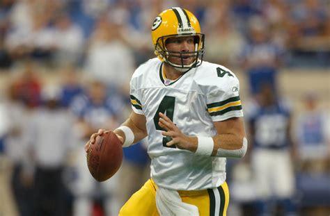 Brett Favre To Help Pump Up Eagles Before Super Bowl