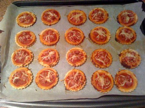 mini pizzas rapides la cuisine de j 233 r 244 me recettes de cuisine cours de cuisine gratuit