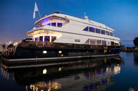 Dinner Boat Cruise San Diego by New Year S Dinner Cruise Flagship Cruises Events