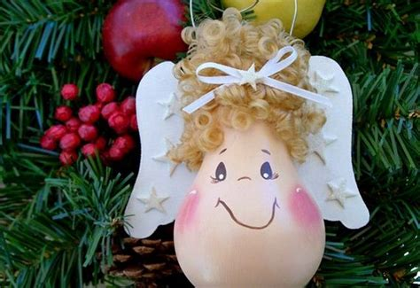 26 easy diy christmas ornaments made from light bulbs