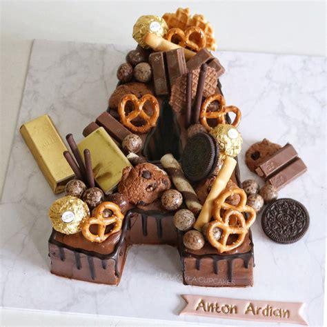 letter alphabet cake alphabet cake cake lettering drip cakes