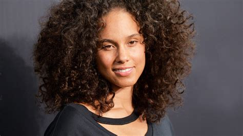 The Best Curly Hairstyles And How To Get