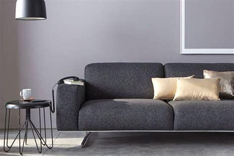 deco salon avec canape gris quelle décoration avec un canapé gris anthracite