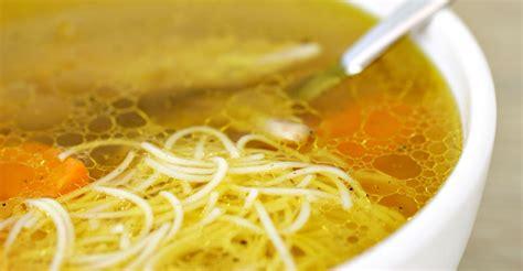 cuisiner du blanc de poulet bouillon de poulet aux vermicelles avec ou sans thermomix