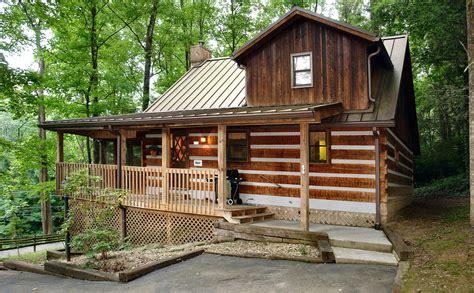 cabins for in gatlinburg gatlinburg cabin rental parkside 1676 1 bedroom