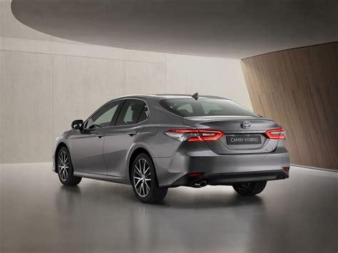 Der 2019 nach deutschland zurückgekehrte toyota camry erhält 2020 äußerlich und im innenraum eine leichte auffrischung. Toyota Camry: Mittelklasse-Japaner verfeinert - Magazin
