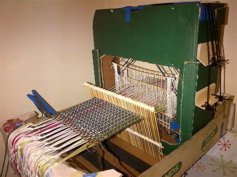 weaving      build  cardboard