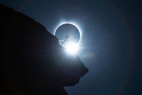 ted hesser captured   solar eclipse photo