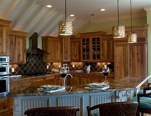 Kitchen island pendant lighting design : L shaped kitchen island lit gorgeously using alita pendant