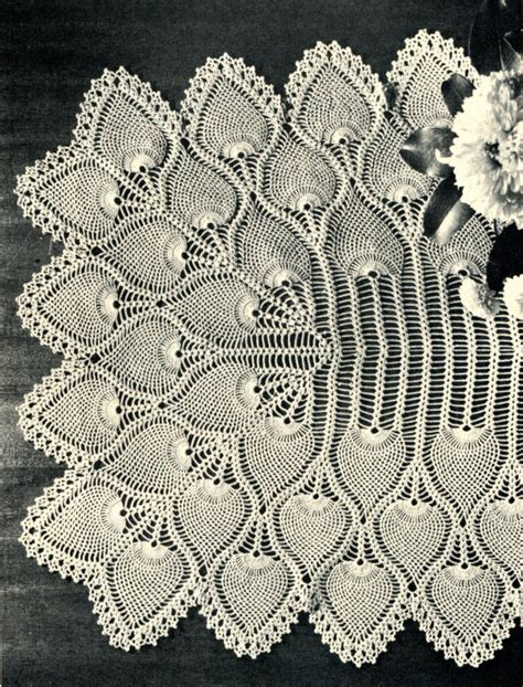free crochet pineapple table runner patterns 1940 39 s pineapple crochet table runner pattern by pearlshorecat