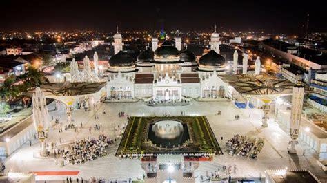wajah  masjid raya baiturrahman layaknya masjid