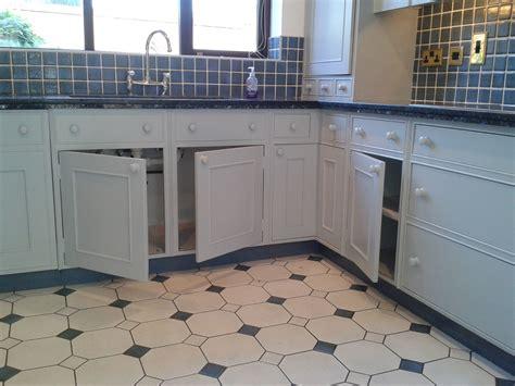 hand painted kitchen  hilderstone staffordshire traditional painter