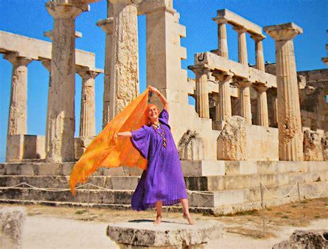 Vija Vetra, dancing legend and poets' muse, breezes back ...