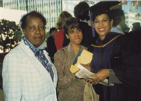 Kamala is married to fellow attorney doug emhoff. PHOTO Kamala Harris Graduation Picture With Her Parents