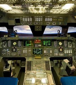 Space Shuttle Orbiter Cockpit | Inside the space shutter ...