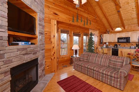 Pigeon Forge One Bedroom Log Cabin Rental-convenient To
