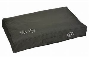 From crib mattress to dog bed with no sew diy cover your for Dog proof mattress cover