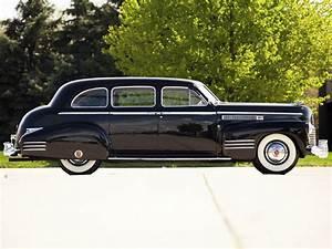 1941 Cadillac Fleetwood Seventy Five Touring Sedan 41