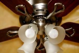 ceiling fan counterclockwise