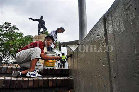 Ya que se conoció a través de redes sociales una convocatoria. En imágenes: enlucen el mirador del monumento a Sebastián ...
