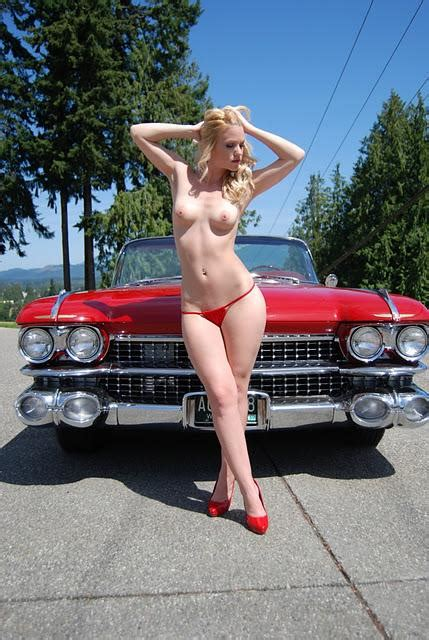 Hot Babes Cars Peeperz