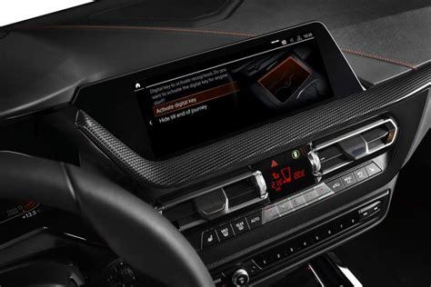 What options must car have to get the digital card? Qué es y cómo funciona la Digital Key Card de BMW