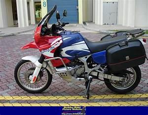 Honda Africa Twin 750 : 2001 honda xrv750 africa twin moto zombdrive com ~ Voncanada.com Idées de Décoration