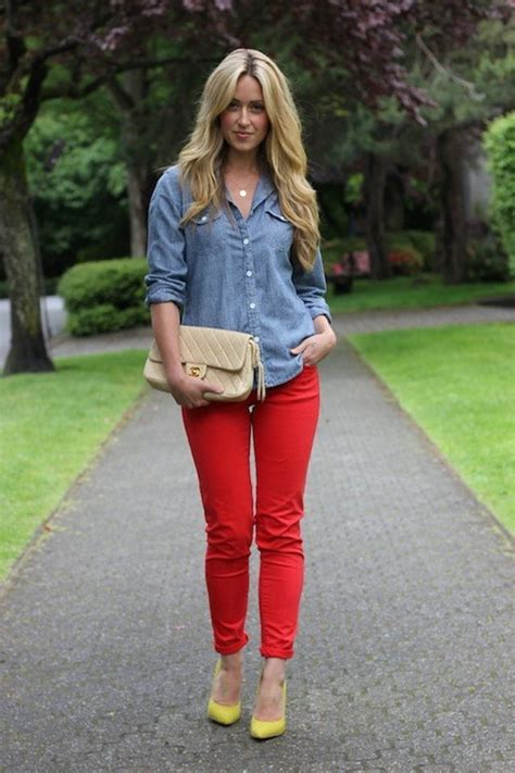 What color top will look with red pants? - GirlsAskGuys