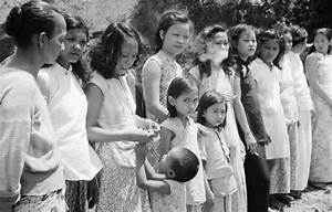 Japan and South Korea agree deal over WW2 'comfort women ...