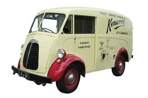 Kenwood's Morris J-type Van Gets Covered !