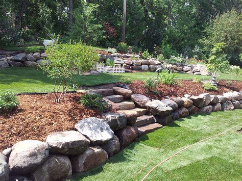 pietre per giardino roccioso progettare un giardino roccioso originale ed affascinante