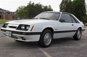 Oxford White 1985 Ford Mustang GT Hatchback - MustangAttitude.com Photo Detail