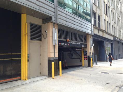 550 W Jackson Blvd Garage