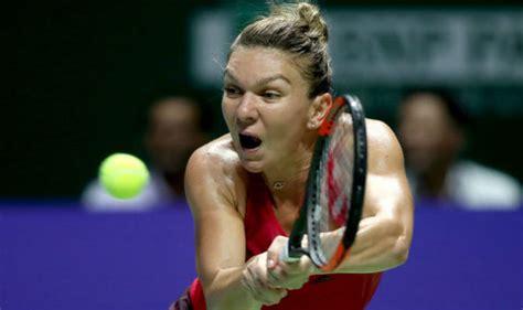 Simona Halep becomes first recipient of Chris Evert WTA World No.1 Trophy
