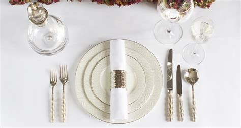 how to set lay a table dining table setting ideas luxdeco com