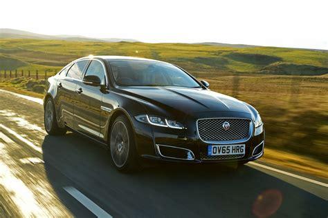 Jaguar Xj Picture by Jaguar Xj Saloon Pictures Carbuyer