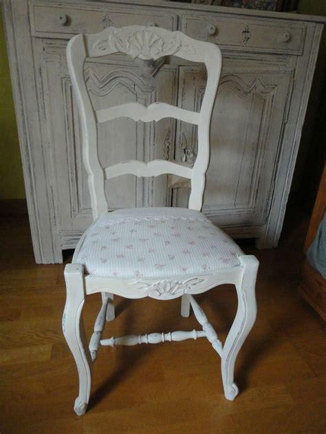 repeindre des chaises 1000 idées sur le thème chaises décorées sur