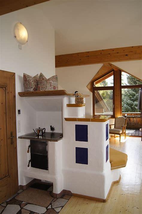 Wohnzimmer Mit Kachelofen by Die 25 Besten Kachelofen Ideen Auf Kachelofen