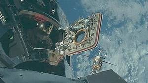 Thousands of Nasa Apollo mission photos uploaded online ...